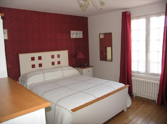 master bedroom in Les Balcons holiday home in Le Grand-Pressigny France